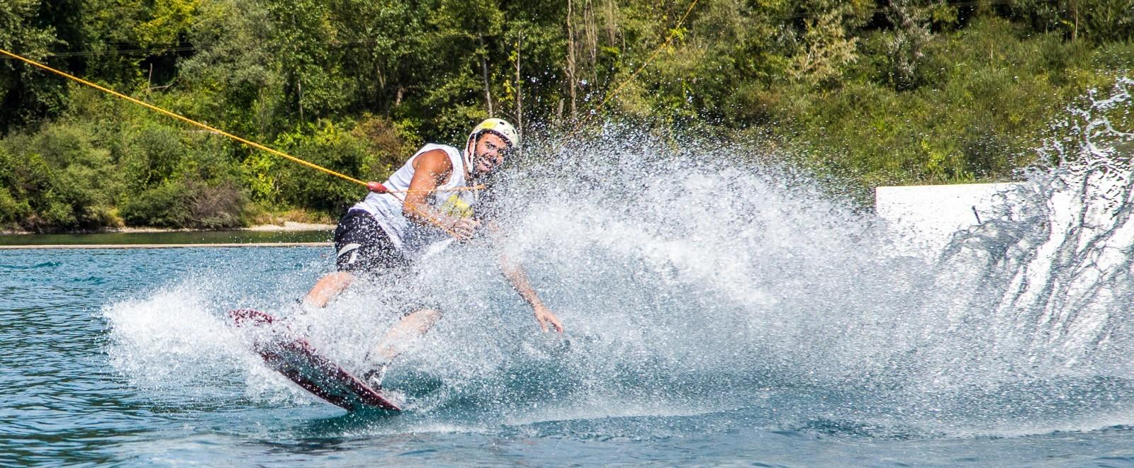 Italia - L'intrattenimento di base WAM PARK - Sport acquatico in Francia